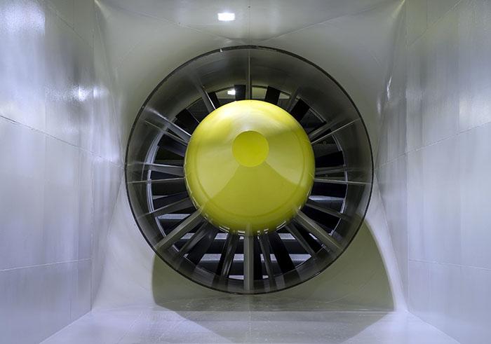 """Remarcabila """"masinarie"""" generatoare de conditii atmosferice"""