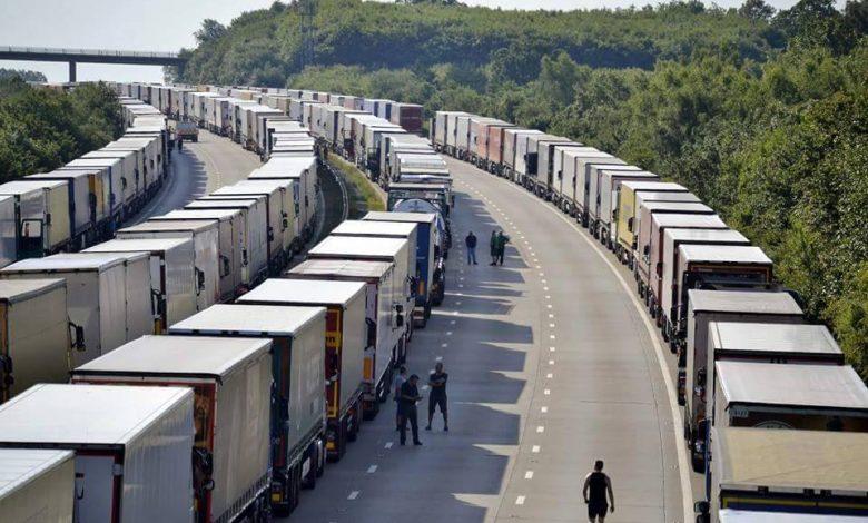 Armistitiu in Calais, insa cozile de camioane inca exista