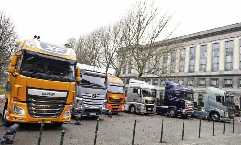 Amendă record primită de producătorii de camioane europeni