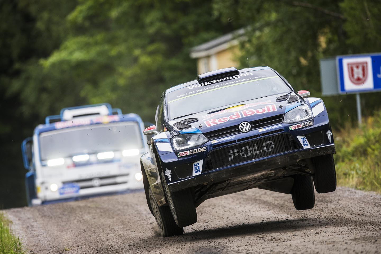 Kamaz 4326 și VW Polo R WRC s-au întrecut pe iconica Ouninpohja