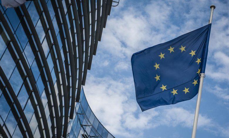 UE deschide o procedură de infringement privind emisiile