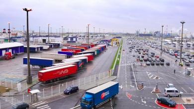 Autoritățile din Calais vor construi un zid pentru a împiedica migranții să se urce în camioane