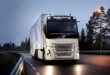 Volvo Trucks testează un lanț cinematic hibrid pentru transportul internațional