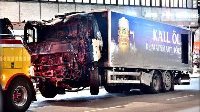 Poliția suedeză a descoperit o bombă artizanală în camion ul utilizat în atacul din Stockholm
