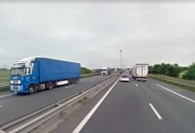 Soferul unei dube a murit într-un accident cauzat de migranți la Calais