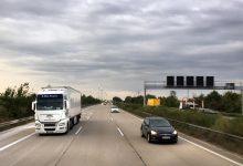 Acoperă sau nu camioanele impactul asupra mediului și societății?