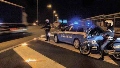 Doi camionagii arestați în Italia pentru documente de identitate false