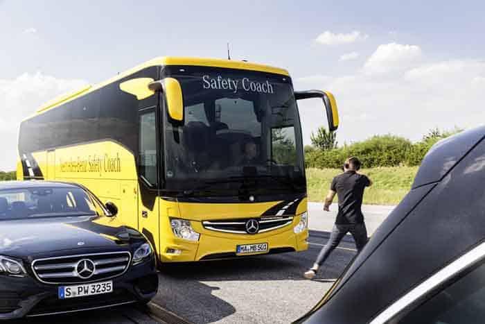 Noul Active Brake Assist 4 în standard pe toate autocarele turistice Mercedes-Benz și Setra