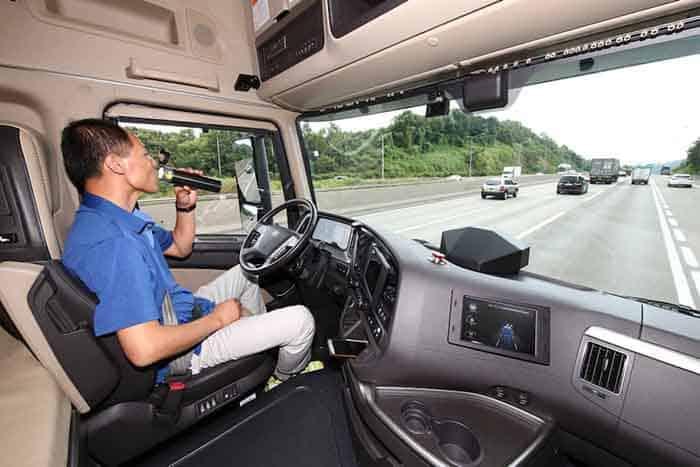 Primul test de drum al unui camion Hyundai Xcient autonom în Coreea de Sud