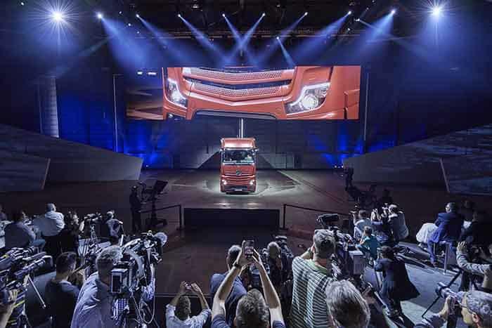 Daimler este definiția inovației și progresului în industria transportului