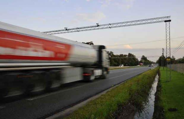 Sistemul european de taxare electronică va ajuta transportatorii rutieri