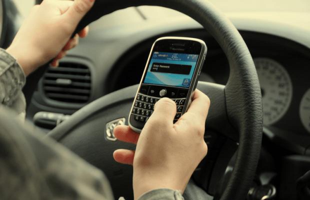 Noile camere radar din Anglia detectează și dacă șoferul utilizează telefonul la volan