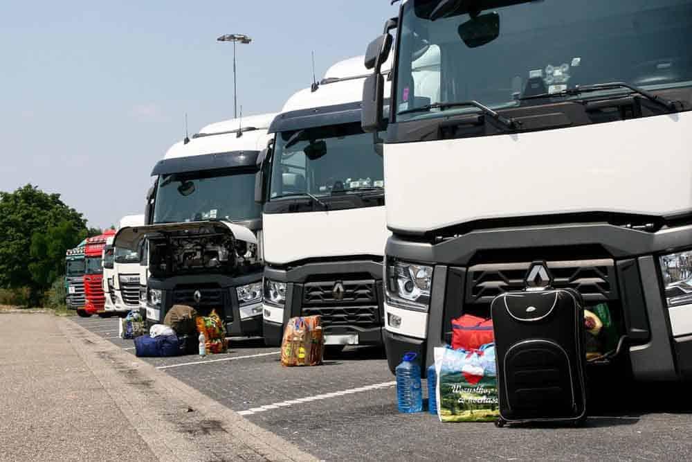 Şofer de camion român, salariu polonez, loc de muncă olandez