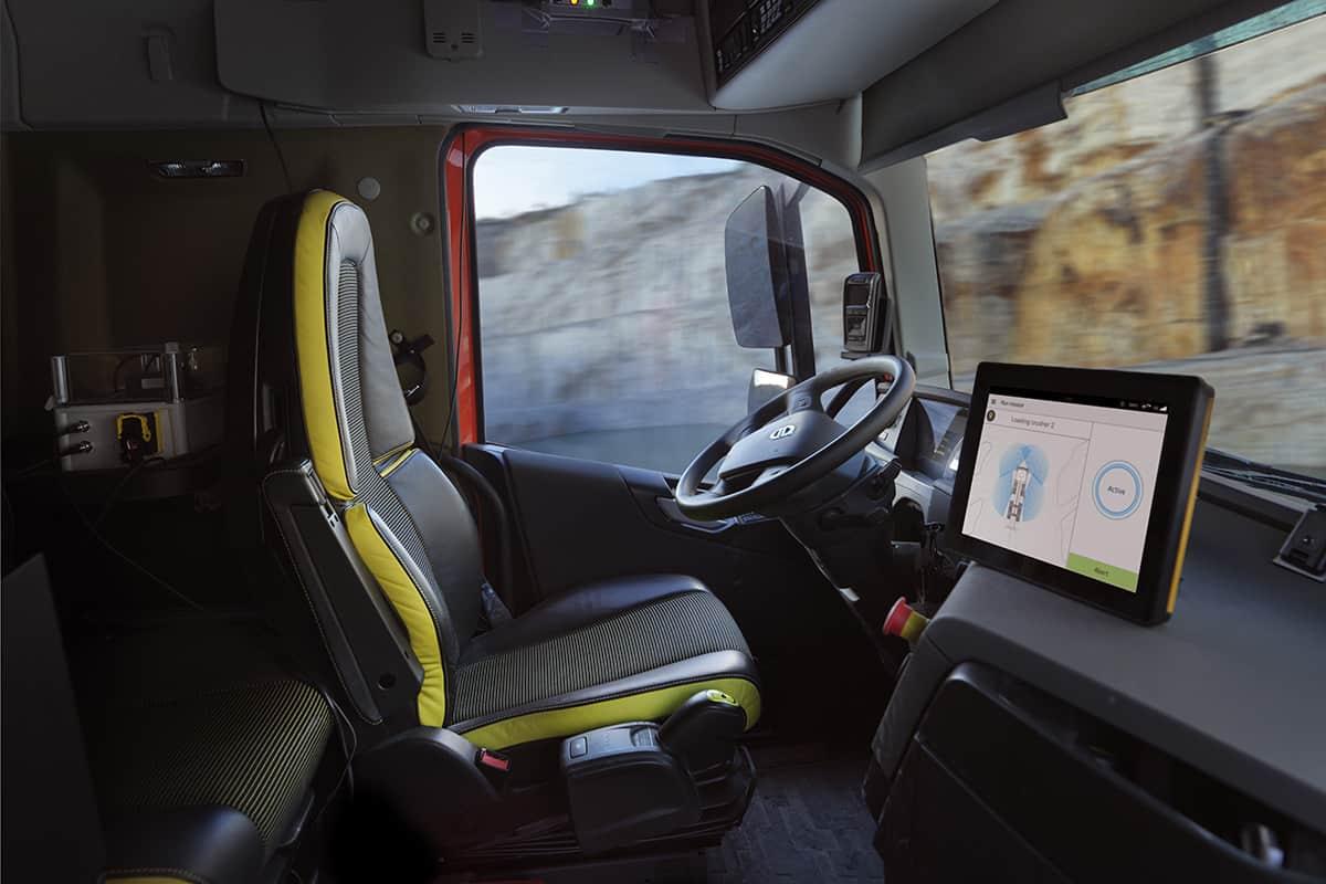 Primele camioane Volvo FH autonome folosite în transport comercial