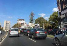 Într-o capitală fără transport public modern, cineva vrea să interzică maşinile mai vechi