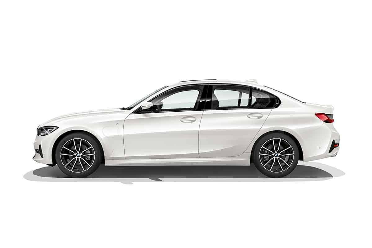 Noul BMW 330e Sedan, mai sportiv şi mai eficient prin tehnologia BMW eDrive