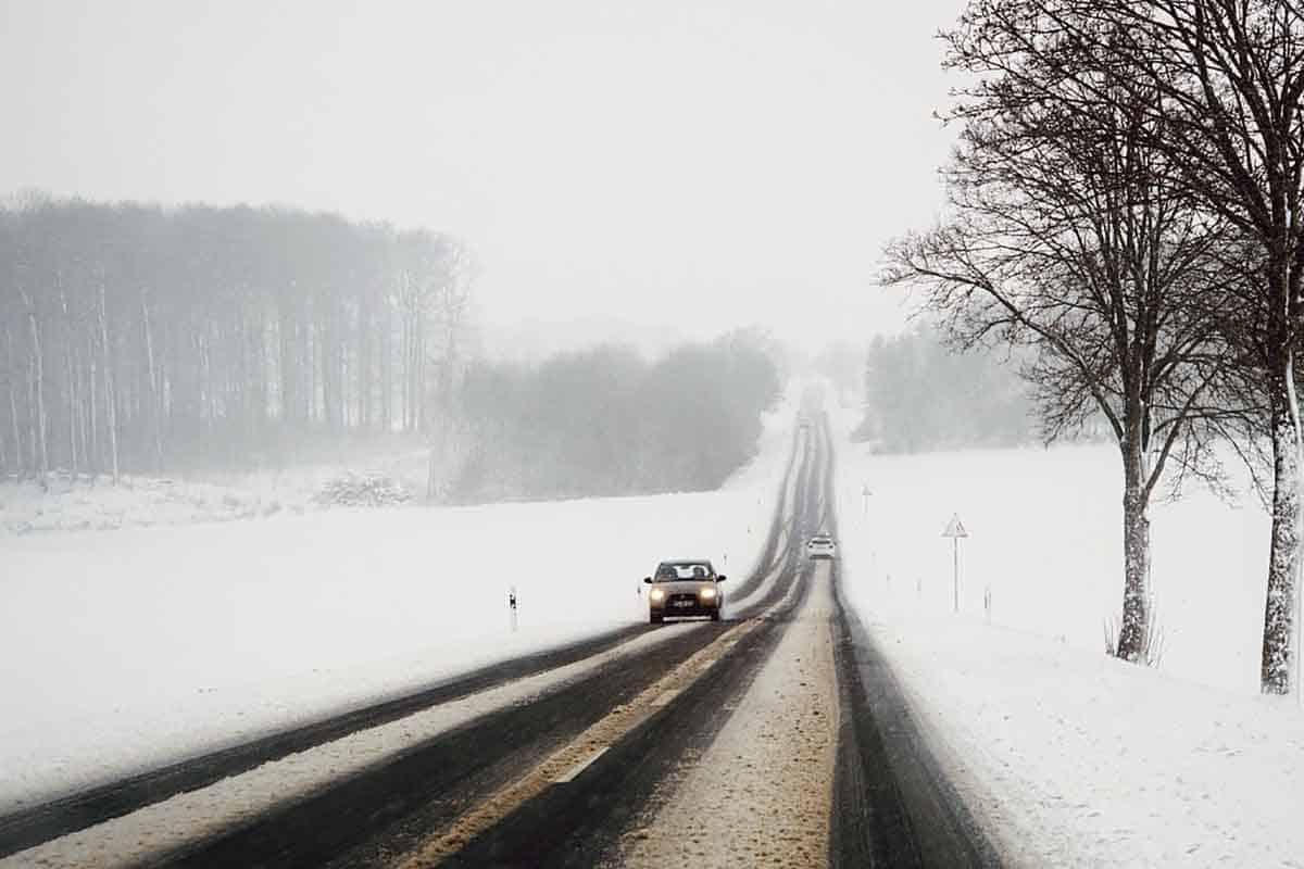Restricţii pentru vehicule de peste 7.5 tone pe trei drumuri naţionale