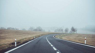 Ceață și vizibilitate între 50 și 100 de metri pe autostrada A2 și drumuri din mai multe județe