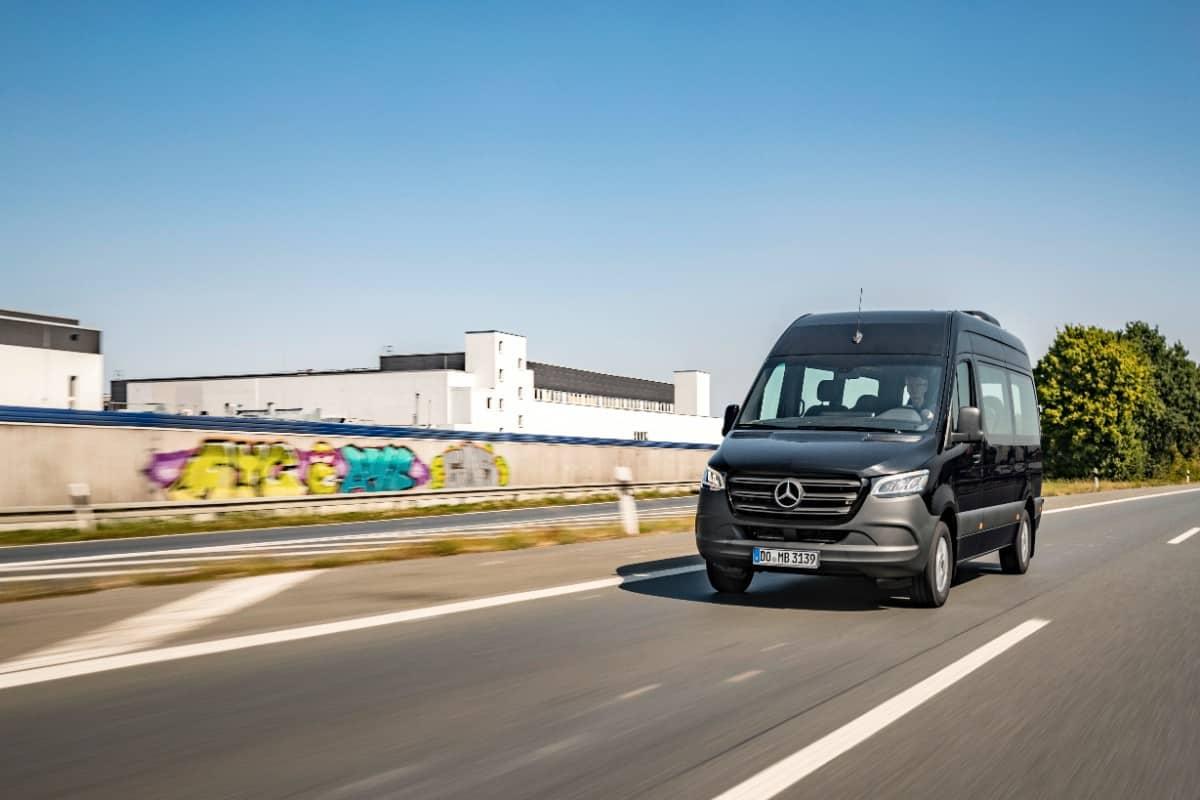 Mercedes-Benz a lansat noua generație a microbuzului Sprinter City