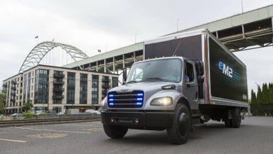Compania Penske operează primul camion electric Freightliner eM2 din SUA