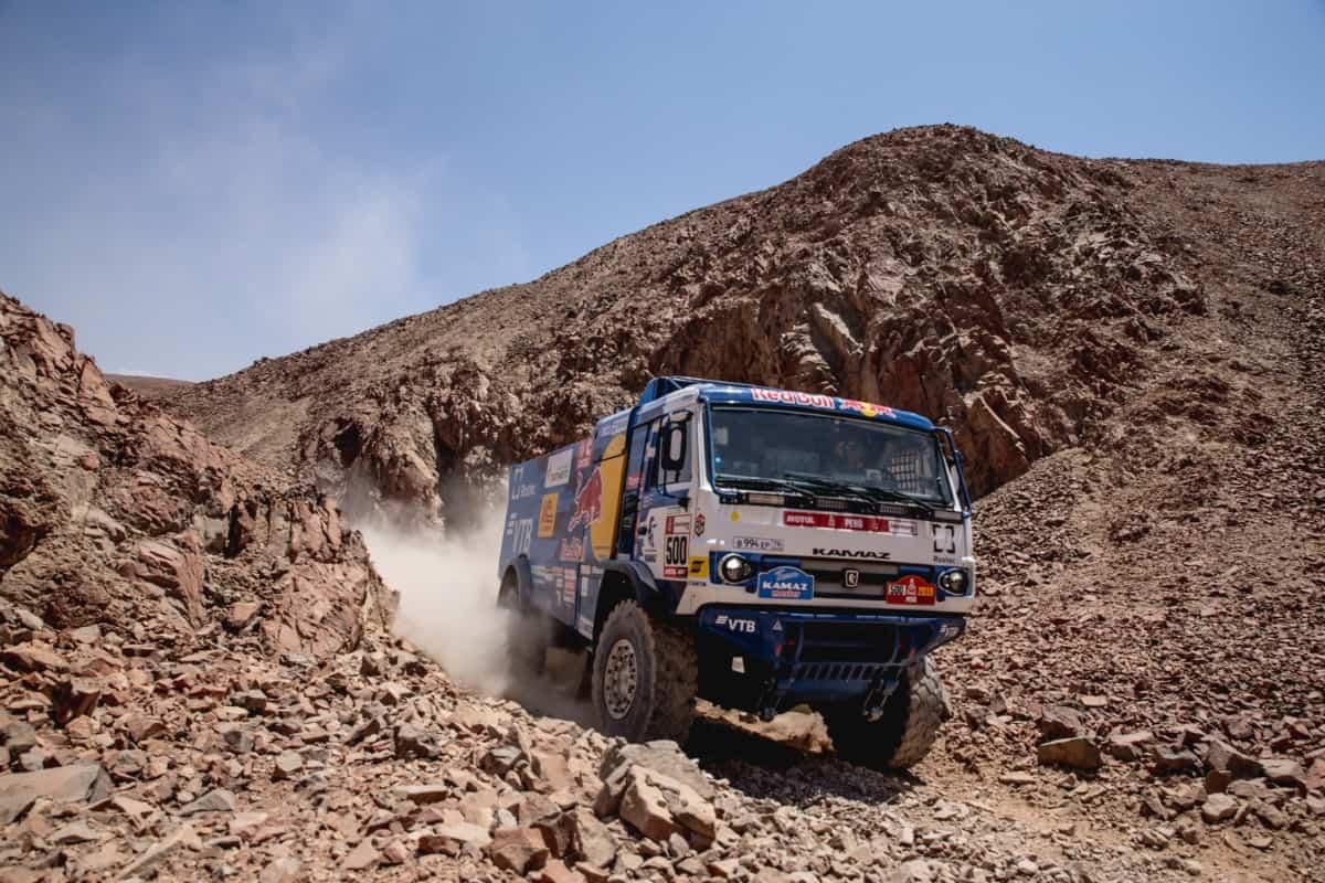Eduard Nikolaev și echipa Kamaz-Master se apropie de un nou succes în Raliul Dakar