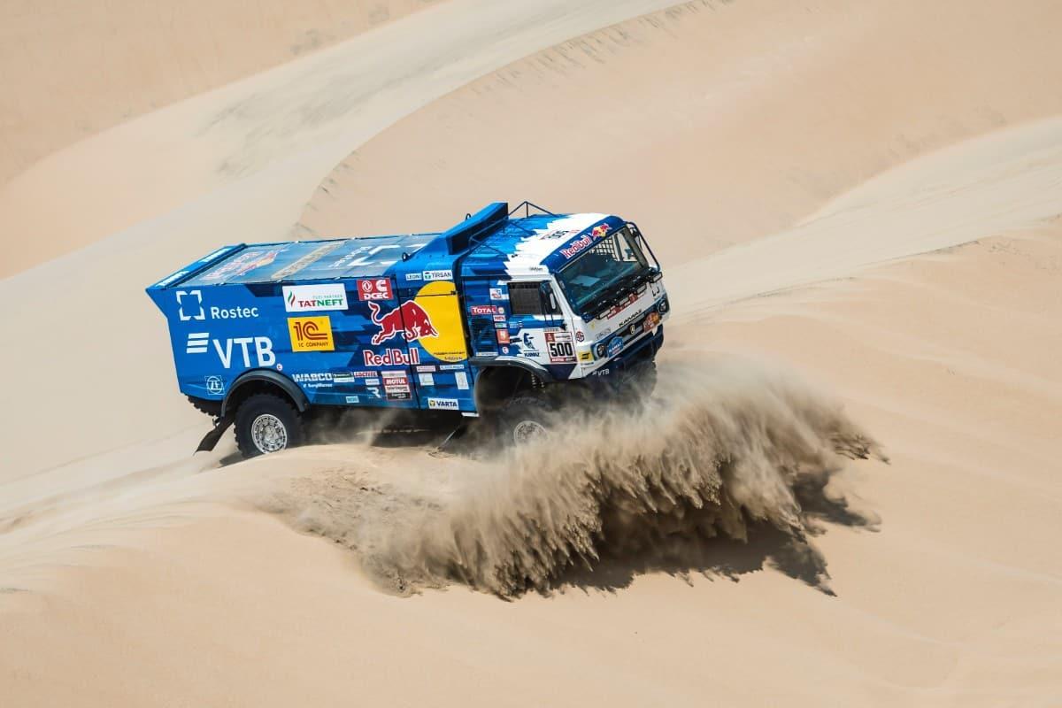 A opta victorie pentru Kamaz și a patra pentru Eduard Nikolaev în Raliul Dakar