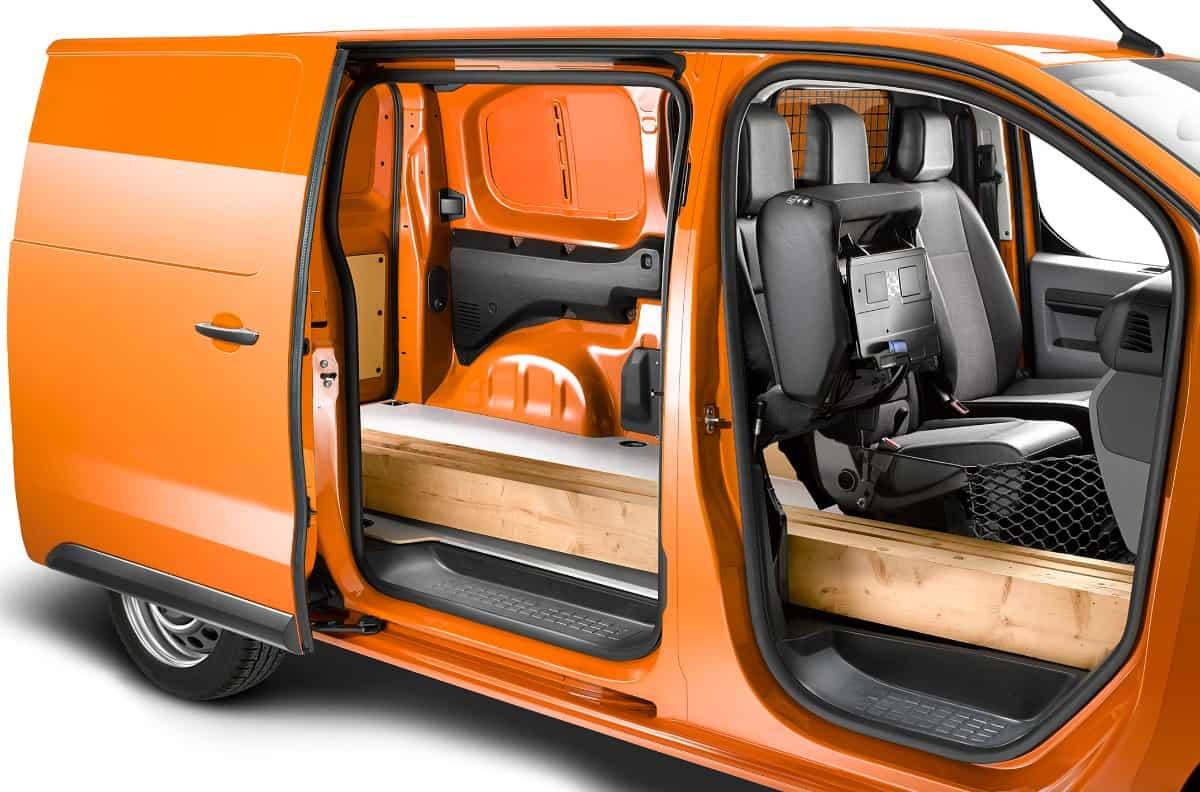 Opel a publicat primele informații și imagini cu noua generație Vivaro