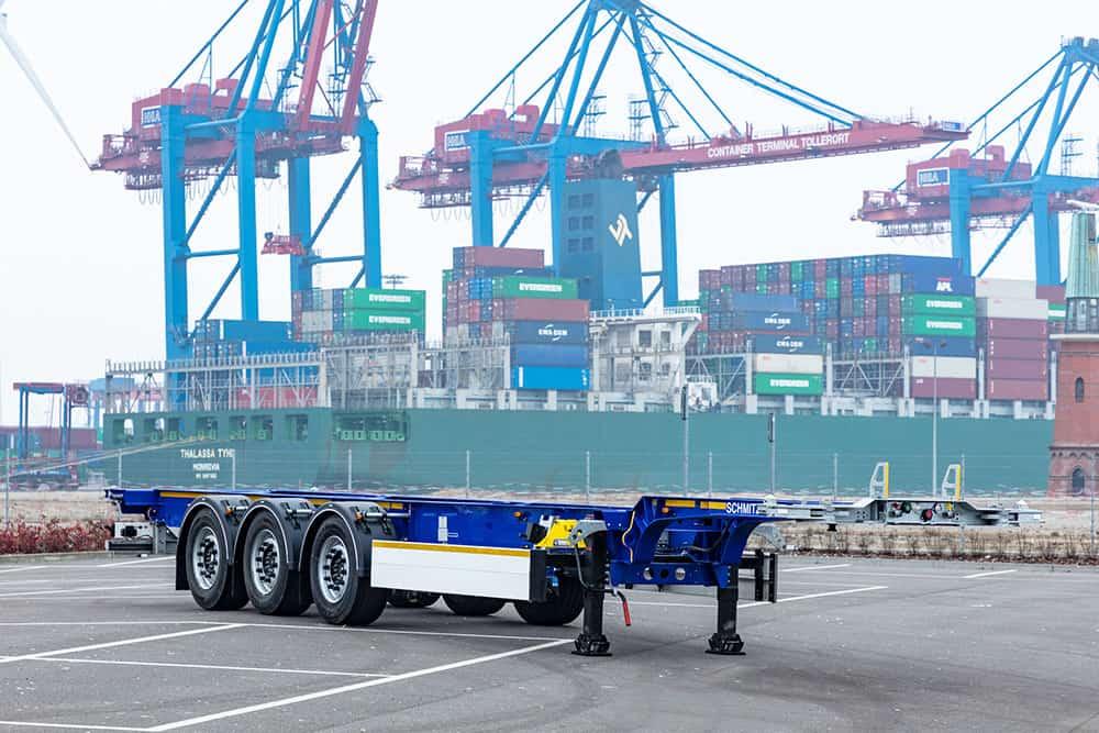 Schmitz Cargobull a reintrodus în gamă portcontainerul S.CF cu gât de lebădă