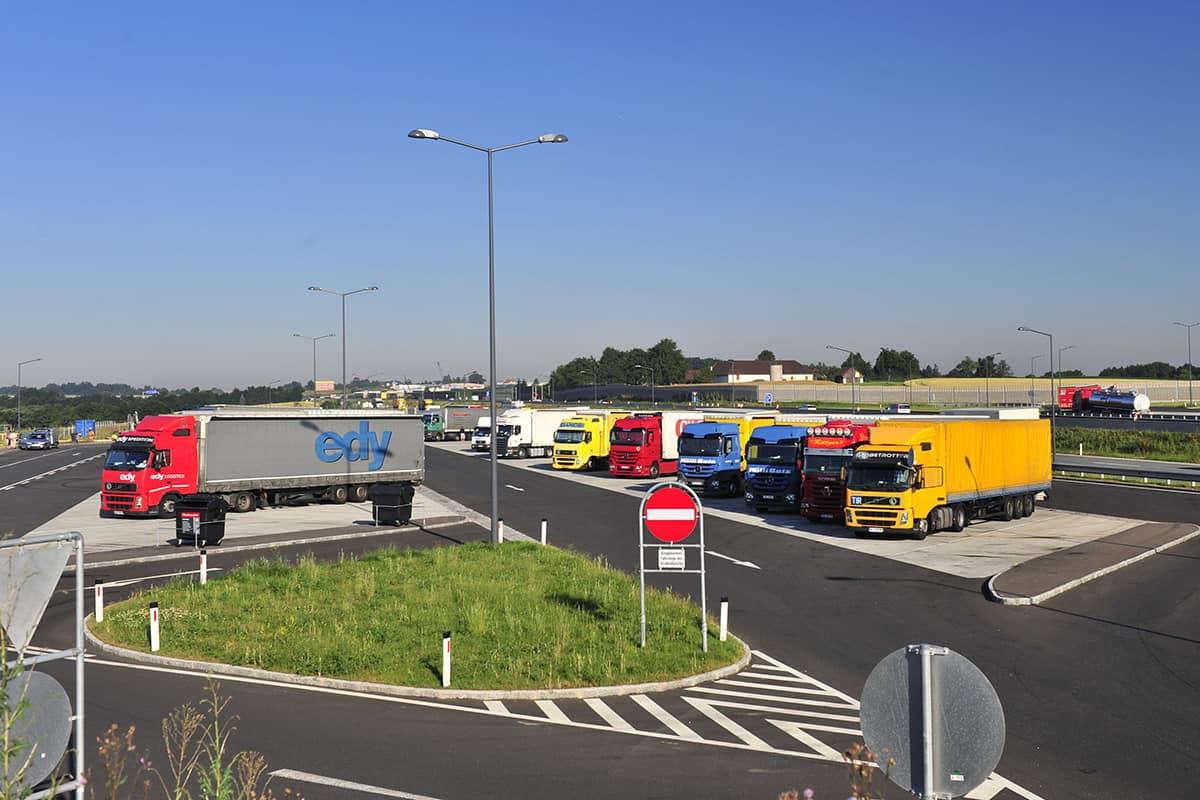 ASFINAG va construi 1.100 de locuri de parcare pentru camioane noi în următorii 2 ani