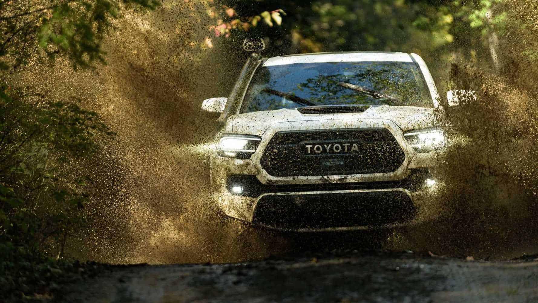 Toyota Tacoma primește un mic facelift și ceva mai multe îmbunătățiri la interior