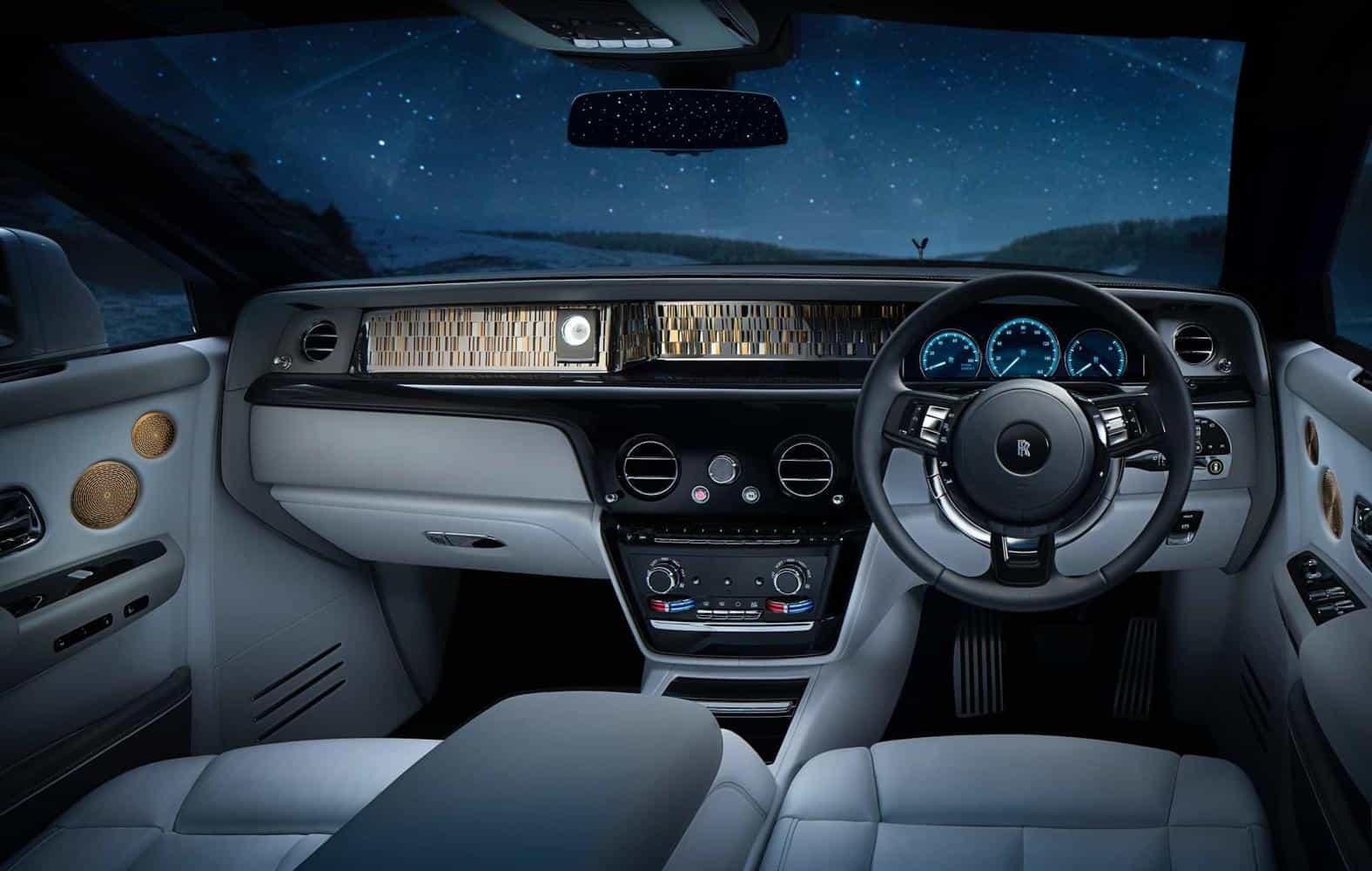 Rolls-Royce Phantom Tranquillity are bucăți de meteorit și aur de 24k la interior