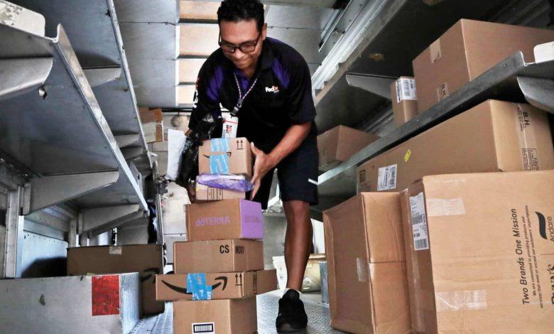 FedEx nu va mai furniza servicii de livrări expres pentru Amazon