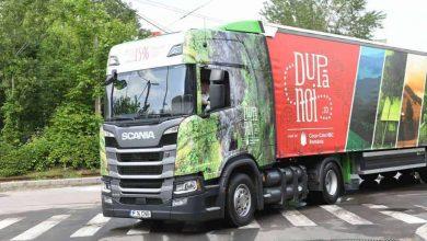 Un camion Scania cu CNG ajută Coca-Cola România să reducă emisiile de CO2 din transport