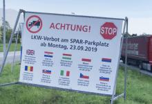 Din 23 septembrie, camioanele nu mai pot opri în parcarea supermarket-ului SPAR din Brixlegg