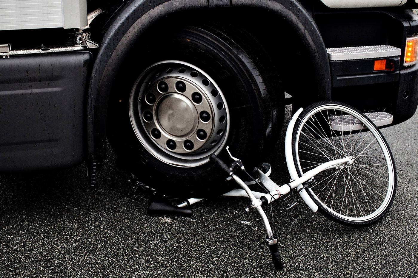 Cum vor fi afectate camioanele de noile sisteme de siguranță obligatorii din 2022?