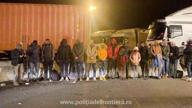 16 persoane descoperite la Nadlac într-un camion condus de un șofer turc