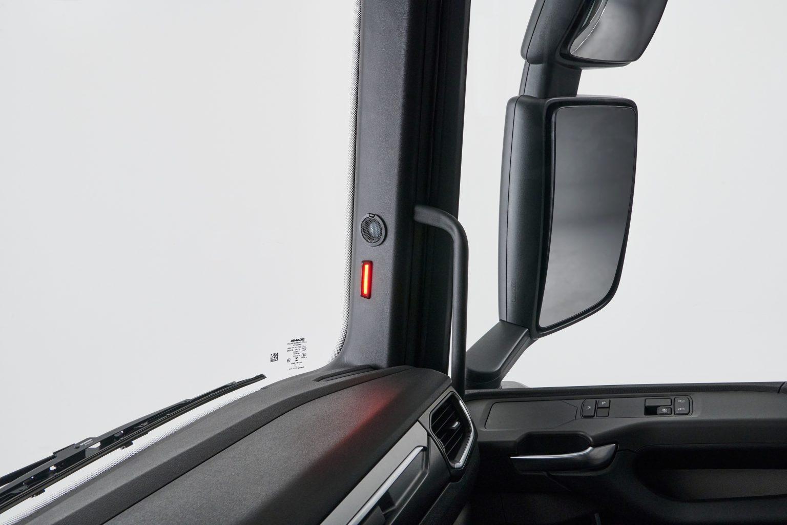 Scania va introduce un nou sistem de monitorizare a unghiului mort