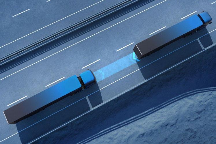 Proiectul I-AT: Rularea în pluton a camioanelor reduce consumul de carburant și noxele