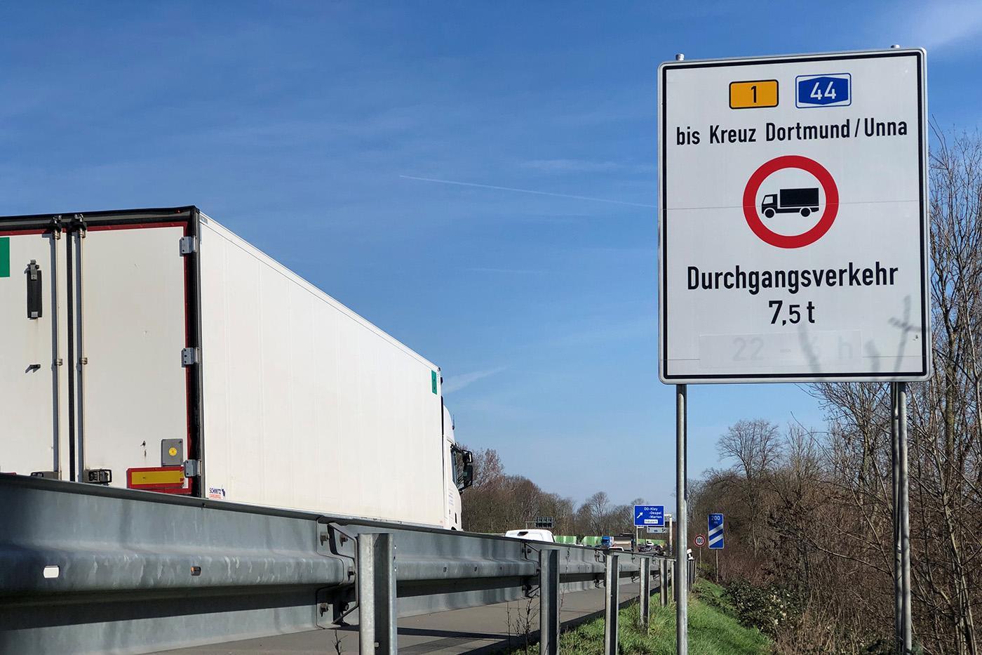 Interdicție de circulație pentru vehiculele comerciale de peste 7.5 tone în zona Dortmund