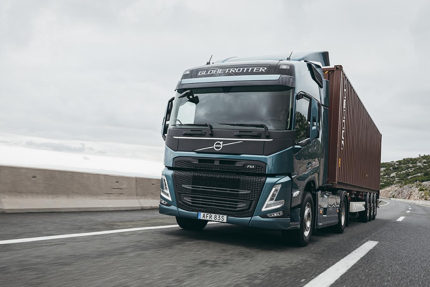 Noul Volvo FM vine cu o nouă cabină, interior modern și motoare pe gaz
