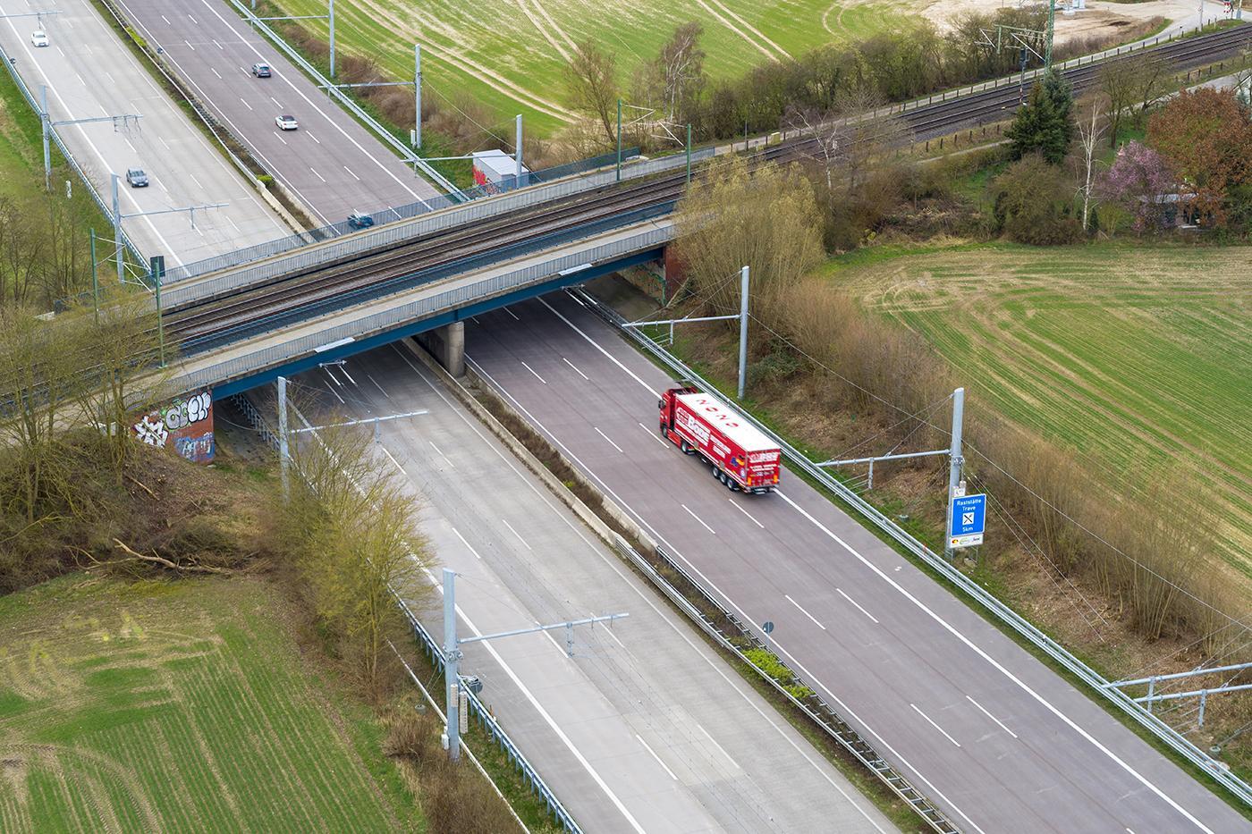 Autostrada electrificată reduce poluarea, dar și costurile pentru transportatori