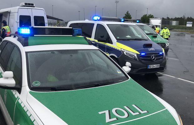 Transportatorii care merg cu prețuri mici au intrat în colimatorul autorităților germane