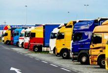 Comisia Europeană pregătește noi standarde de parcare pentru camioane, dar uită de viitorul electric