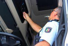 Șofer român amendat în Germania pentru utilizarea mai multor carduri tahograf