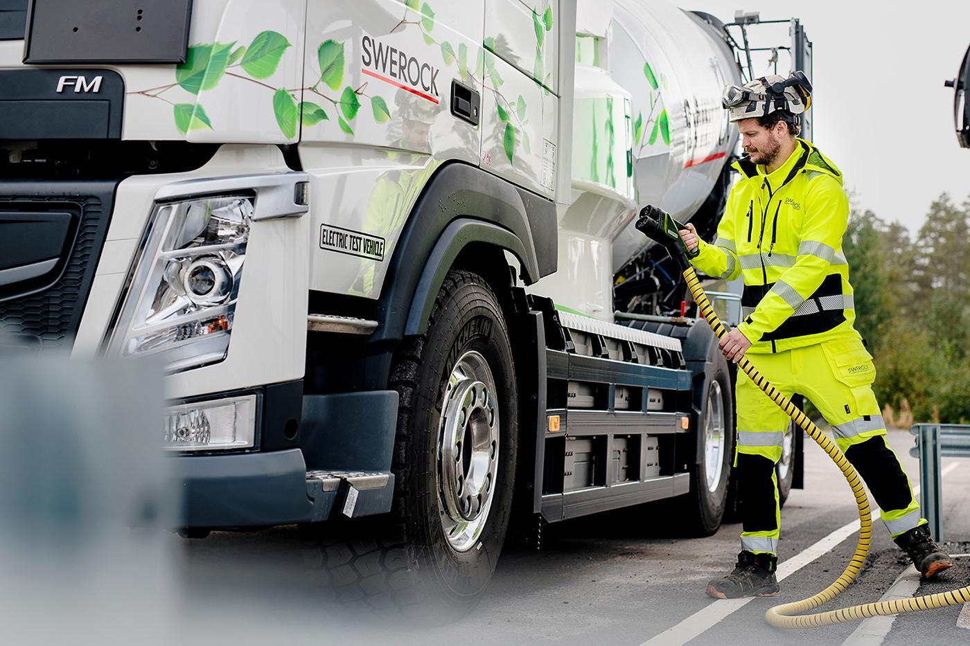 Camioane electrice Volvo Trucks pentru construcții testate în condiții reale de operare