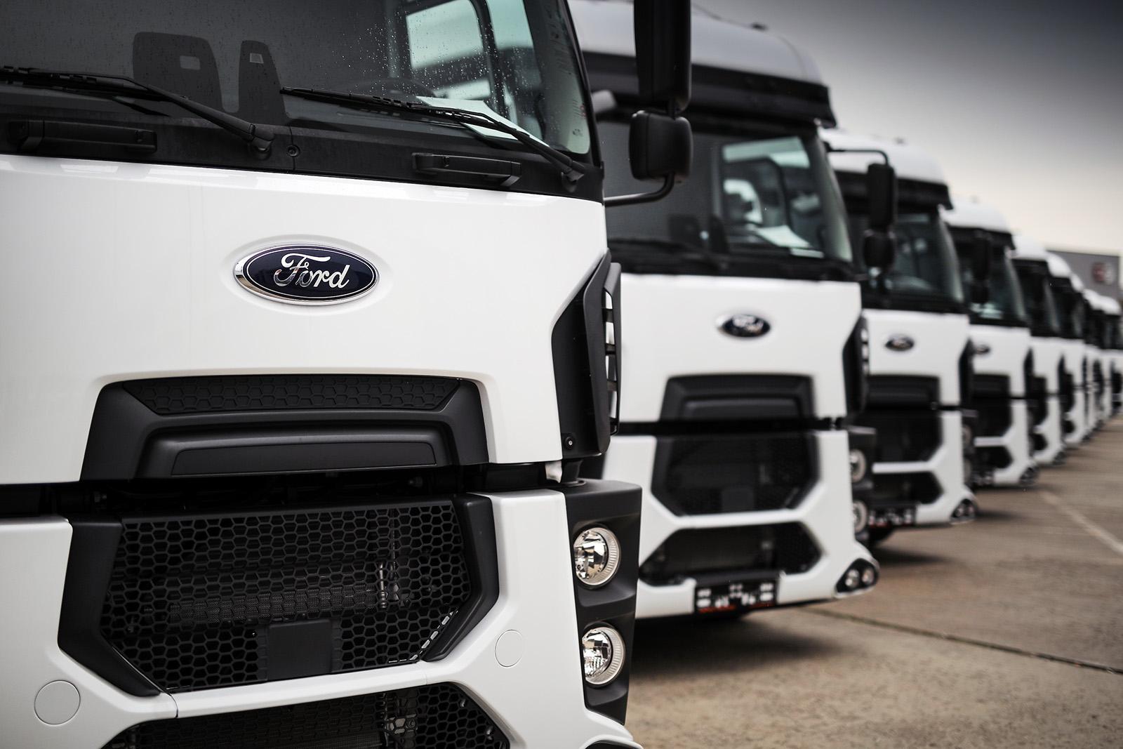 Cefin Trucks a livrat primele 10 autotractoare Ford 1842T cătreTempo Invest