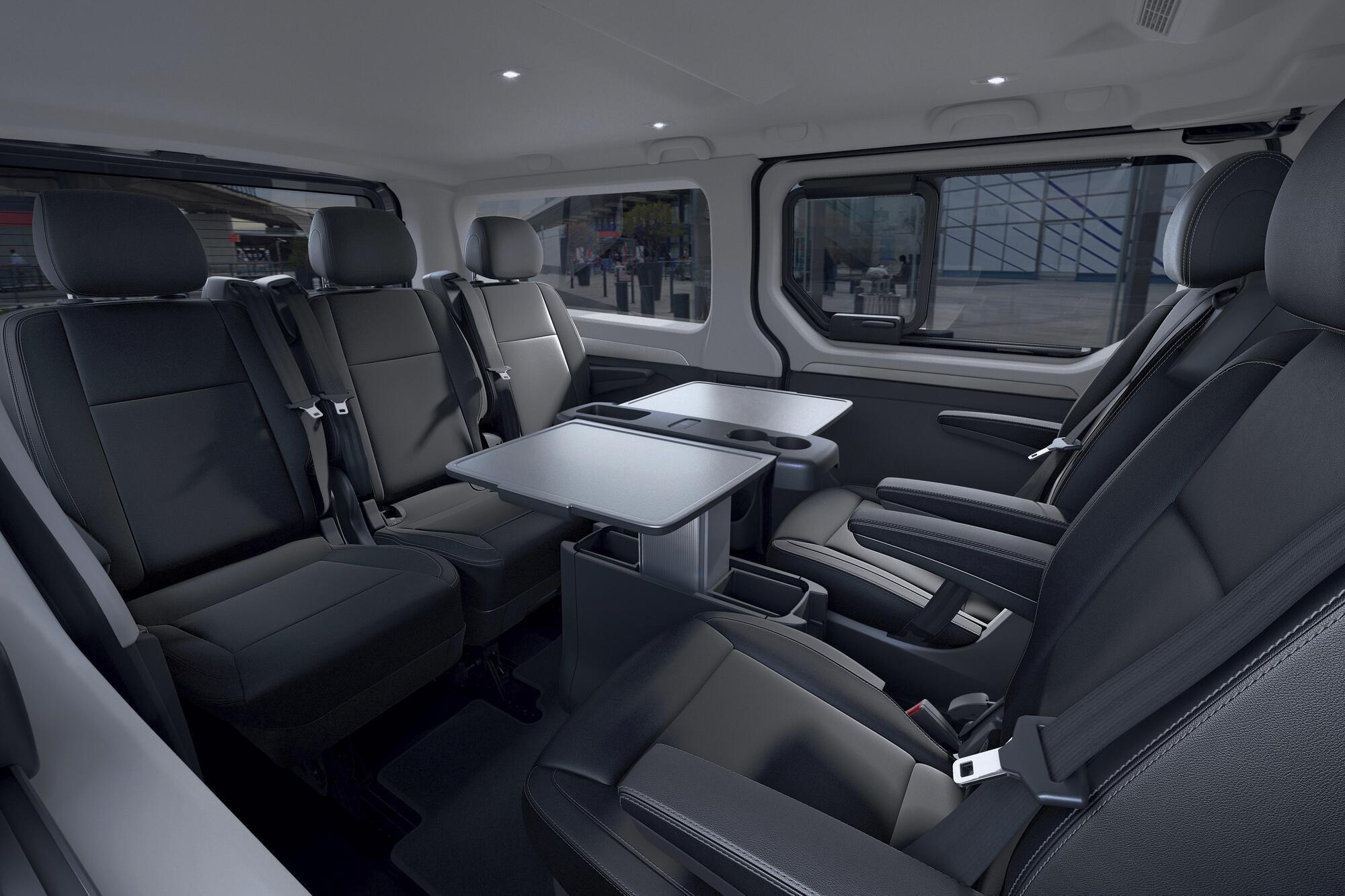 Noul Renault Trafic este disponibil în versiunile Combi și SpaceClass