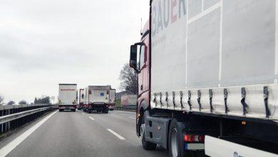 Cât durează depășirea între două camioane și de ce nu poate fi interzisă complet?