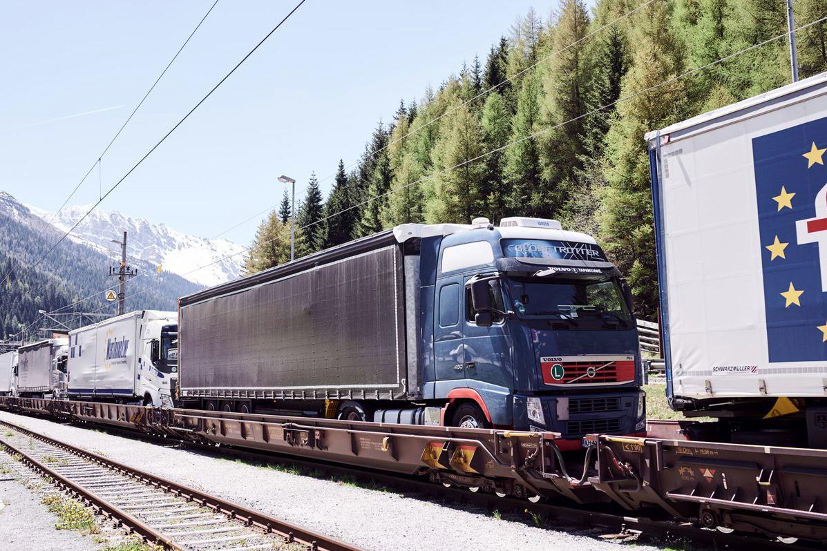 ÖBB Rail Cargo și ASFINAG fac utilizarea RO-LA mai facilă și atractivă