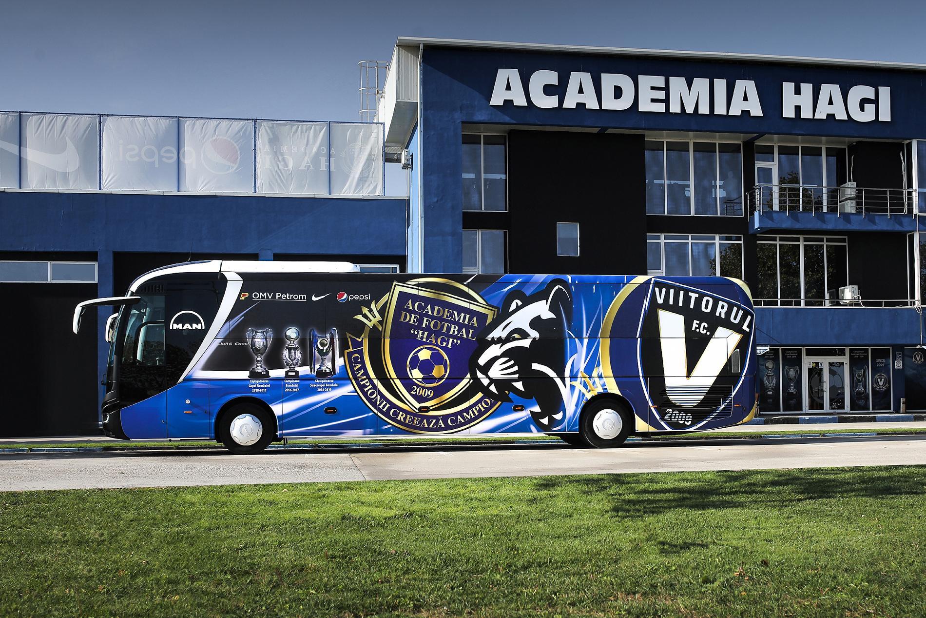 Echipa de fotbal FC Viitorul are un nou autocar MAN Lion's Coach C